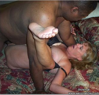 Blonde Bleacher Cuming As black Pumps her